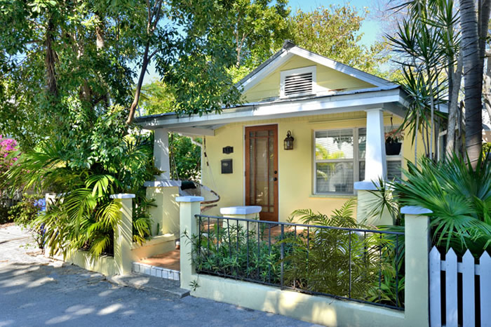 island village cottage down the lane ~ off duval st