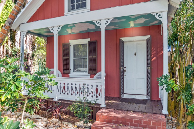 Little Red Pool Garden Cottage 2 Bedroom Monthly Vacation Rental