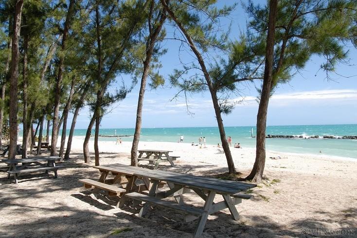 Island Rendezvous 6 Bedroom Nightly Vacation Rental