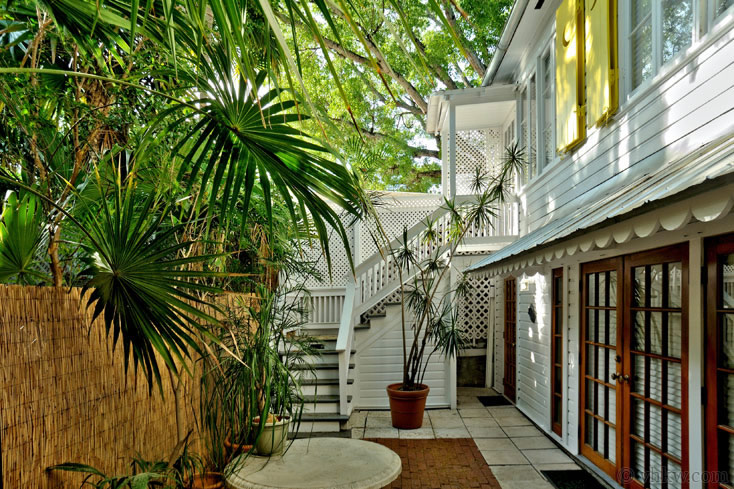 Elegant Key West Tree House ~ Monthly Rental. 2BR 1BA ~ Monthly Rental & Elegant Key West Tree House | 2 Bedroom Monthly Vacation Rental