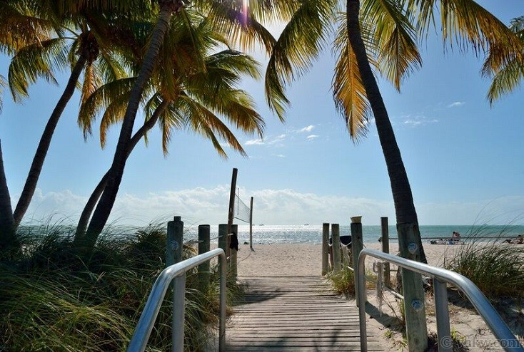 By The Beautiful Sea A Key West Beach Front Condo 3
