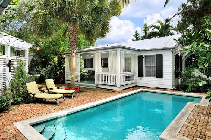 duval street fantasy resort villa