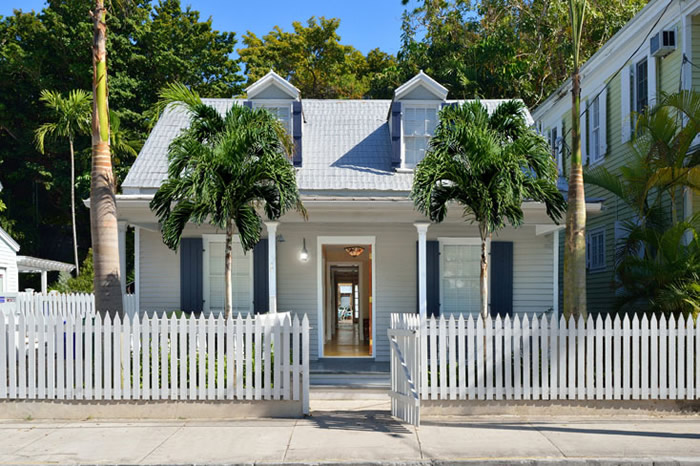 the qm ~ quartermaster house key west